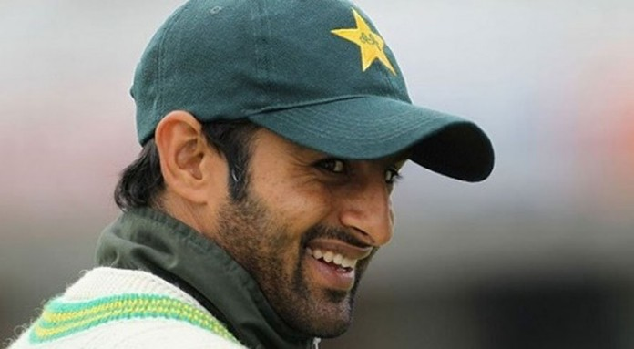 Shoaib Malik celebrates his 35 years old
