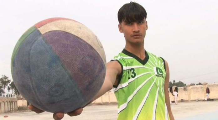 "Shafiq Afridi—a 7.6"" tall 15-year old boy who is a budding basketball player"