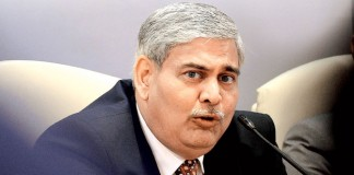 India's Manohar to stay on as ICC chairman