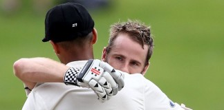 Record-equalling Williamson ton puts NZ on top