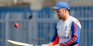 Bairstow 'tough to leave out' says England boss Bayliss