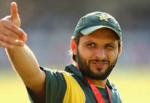 Shahid Afridi honoured with a gold medal