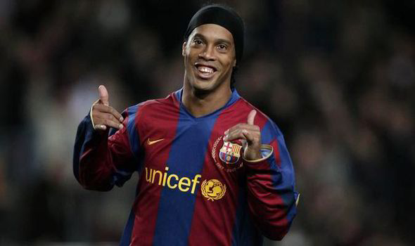DG ISPR welcomes Ronaldinho to Pakistan