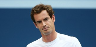 Murray suffers Wimbledon injury scare
