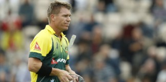 Warner says 'no contracts, can't play' in CA dig