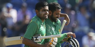 Pakistan thrash England in Champions Trophy semi-final