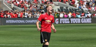 Manchester United edges Real Madrid on penalty kicks
