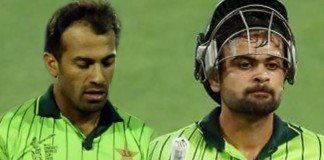 Wahab Riaz, Ahmed Shehzad handed category C contract