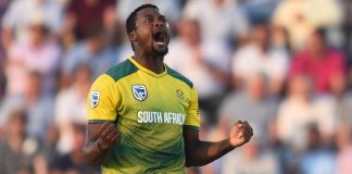 Phehlukwayo strikes key blow as South Africa beat Bangladesh