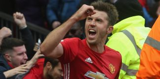 Mourinho offers Carrick coaching role at Man Utd