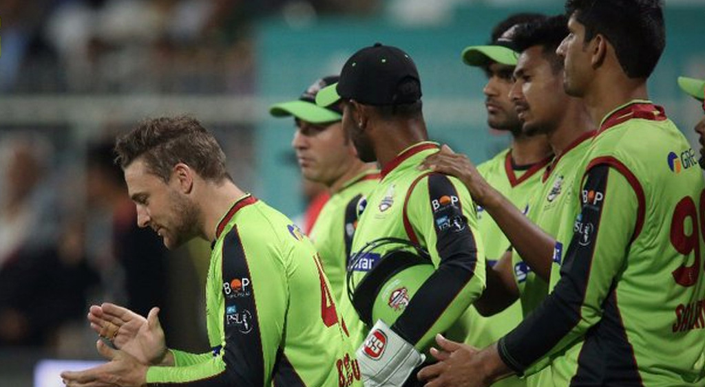 Lahore spoils Karachi play-off chance in Super Over win