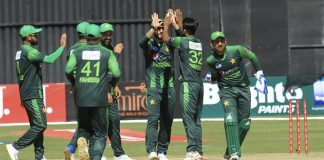 Usman Shinwari's four-for restrict Zimbabwe to 194 runs