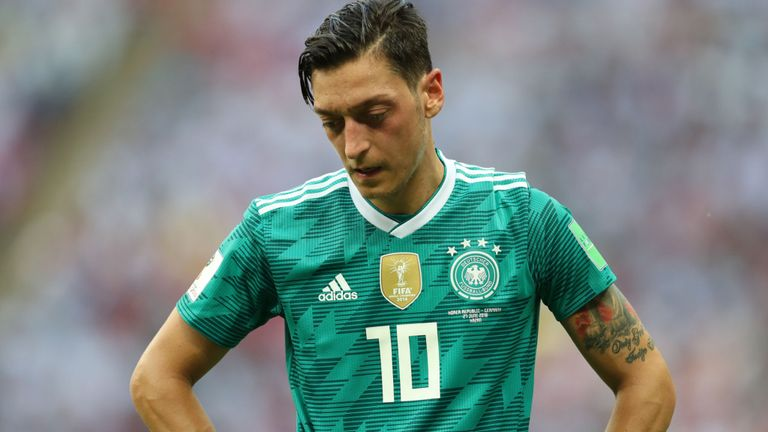 Ozil, citing 'racism', quits Germany side after World Cup debacle