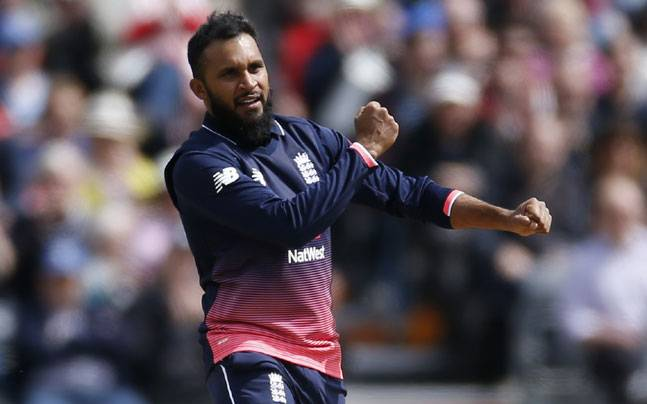 Adil Rashid agrees new county cricket deal