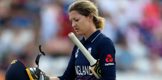 Sarah Taylor to miss Women's World T20 with anxiety relapse