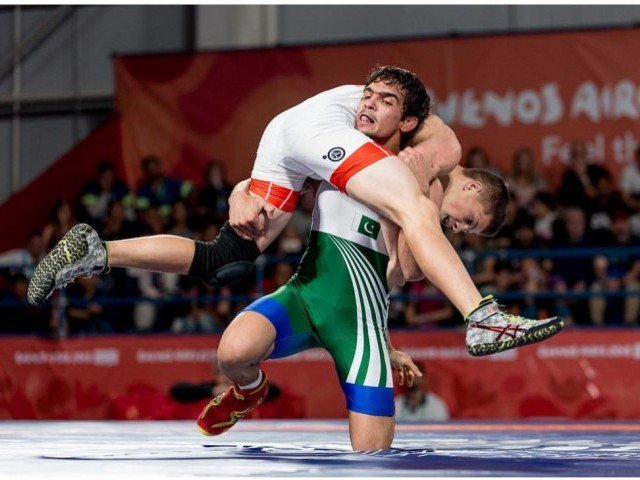 Inayatullah wins first medal for Pakistan in Youth Olympics 2018