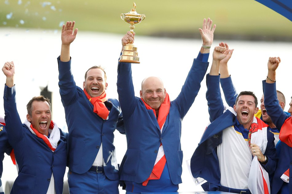 Molinari clinches Ryder Cup glory for dominant Europe