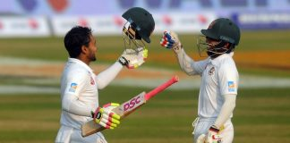 Mushfiqur's record innings puts Bangladesh on top