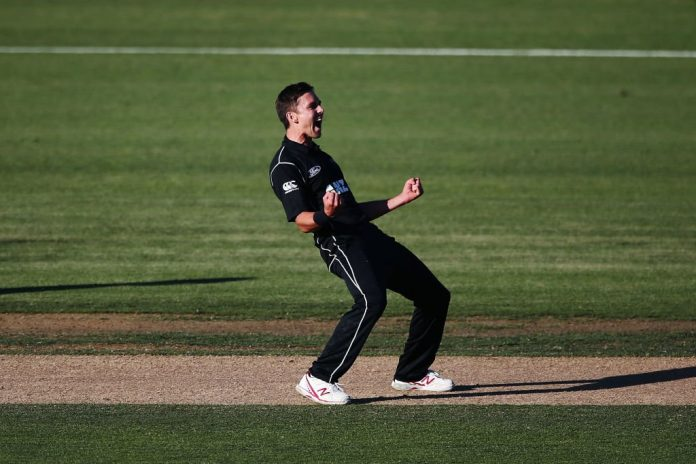 Boult takes hat-trick as Pakistan tottering on 8-3