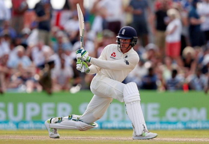 England sense victory after Jennings century