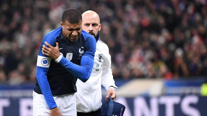 Mbappe injured as France see off Uruguay