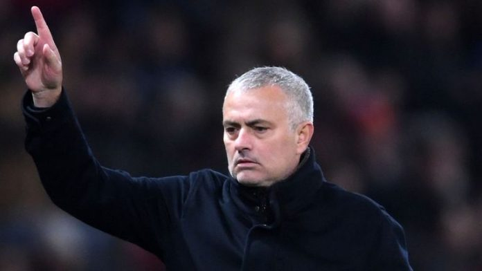Mourinho tells players: 'stay home' if you can't handle Old Trafford pressure