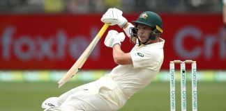 Finch retires hurt as Australia build lead over India