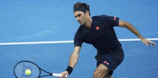 Roger Federer off to another flyer