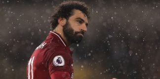 Liverpool open up six-point lead as Man City lose again at Leicester