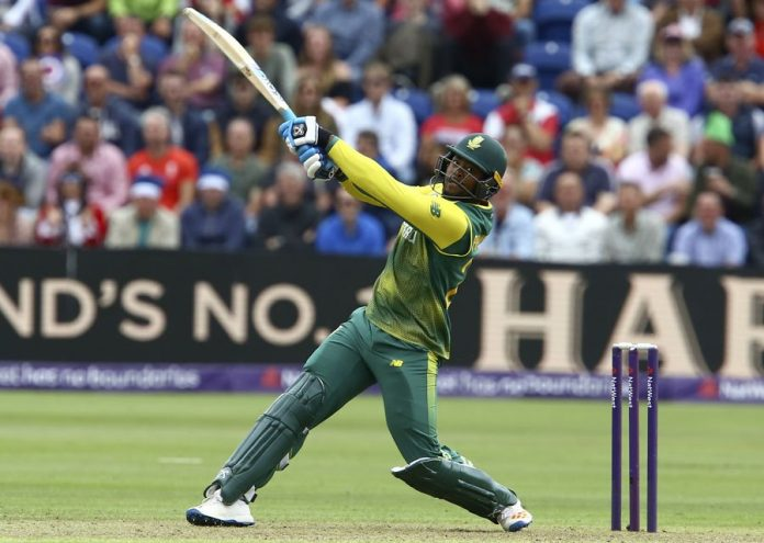Van der Dussen, Phehlukwayo help Proteas level the series