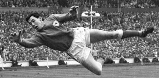 England's World Cup-winning keeper Banks dead at 81