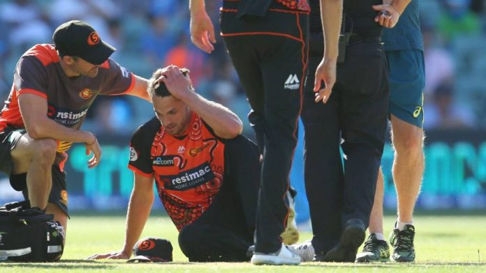 Coulter-Nile suffers vertigo bout during BBL game