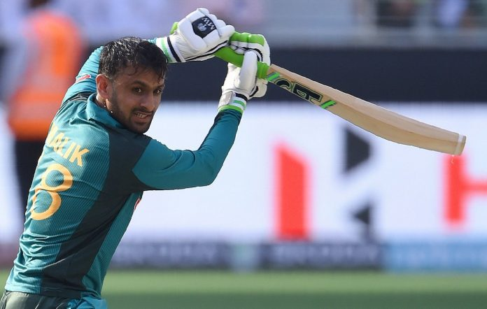 Pakistan call back Amir as South Africa bowl first