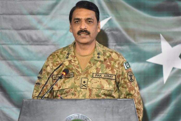 DG ISPR tells Pakistanis to keep sports, politics separated