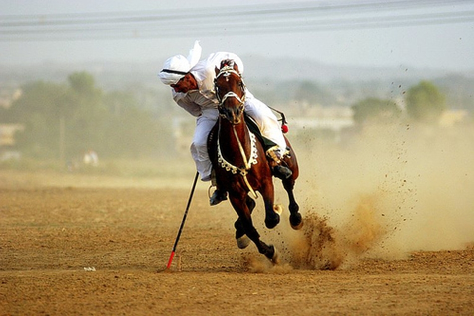 Pakistanis seek world record in ancient sport of tent-pegging
