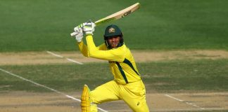 Khawaja propels Australia to 327-7 in fifth ODI