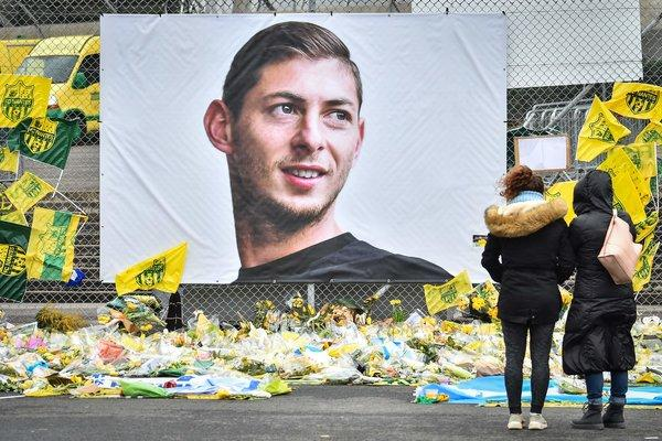 Two arrested in UK over online image of Sala's body