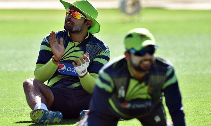 Akmal, Shehzad expected to be called for a fitness test ahead of the World Cup