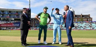 South Africa bowl in World Cup opener against England