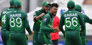 Waqar Younis hails Pakistan's 'fearless cricket' against South Africa