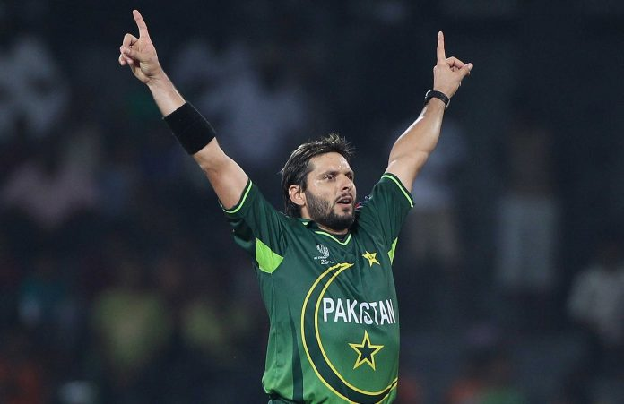 'Play with a free mind and spirit,' Afridi tells Pakistan team