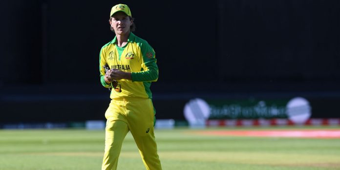 Zampa uses hand warmers, says Finch amid ball-tampering claims