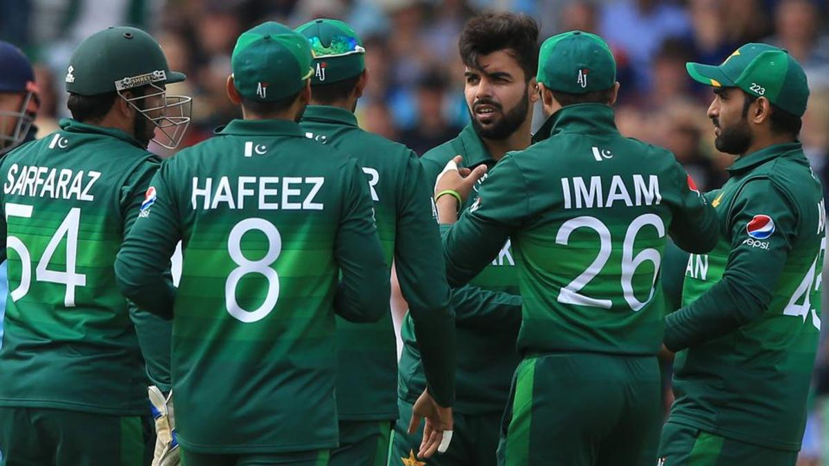 Pakistan team fined for slow over-rate against England