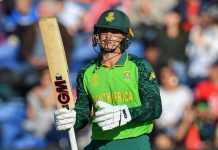 De Kock urges South Africa to keep calm as World Cup pressure mounts