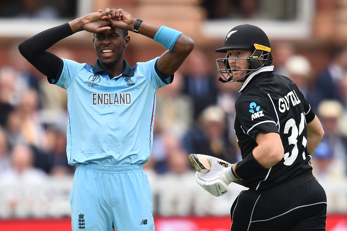 New Zealand off to a decent start in the World Cup final against England