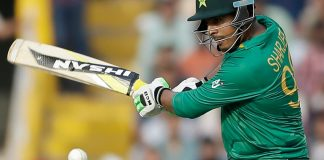 Sharjeel Khan reaches Gaddafi Stadium for rehabilitation program