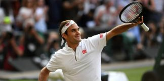 Federer cruises into US Open last eight, Medvedev advances