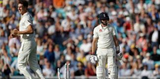 England struggle to 271-8 after familiar collapse