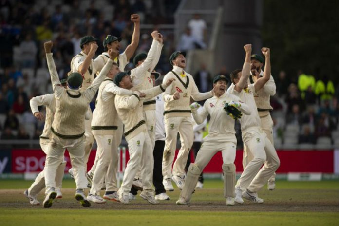 Australia overcome stubborn England to retain Ashes