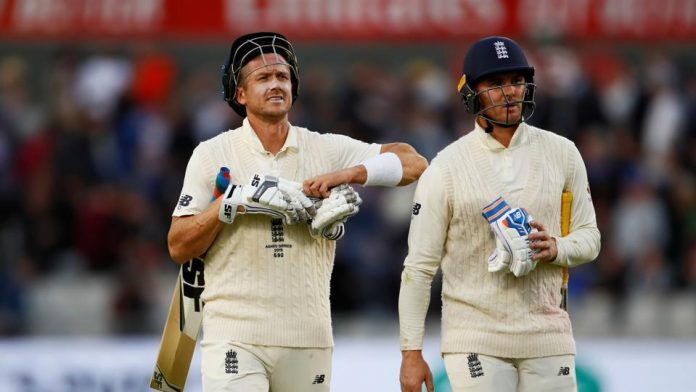 Australia smell victory as England left needing another miracle